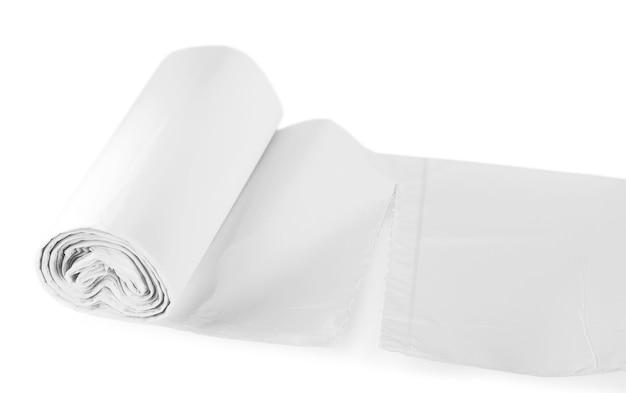 Rouleau de sacs de cuisson au four en plastique isolés sur blanc.