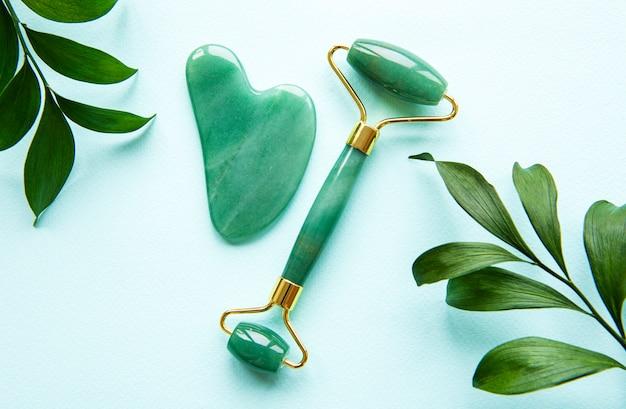 Rouleau de visage en jade