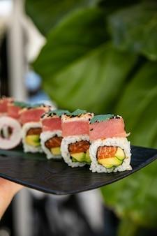 Rouleaux japonais au saumon et thon