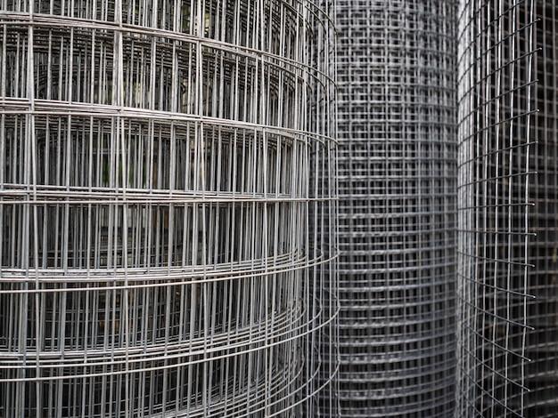Rouleaux de maille métallique. vente de clôture en fer à cellules carrées