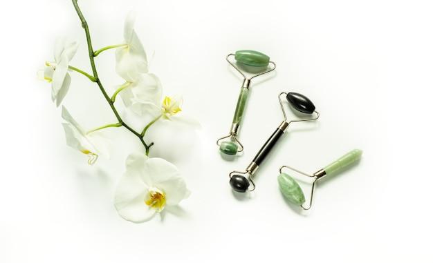 Rouleaux de massage guasha utilisés pour le massage traditionnel chinois d'acupuncture