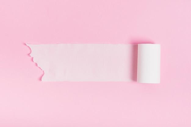 Rouleaux de papier hygiénique de quarantaine utilisés