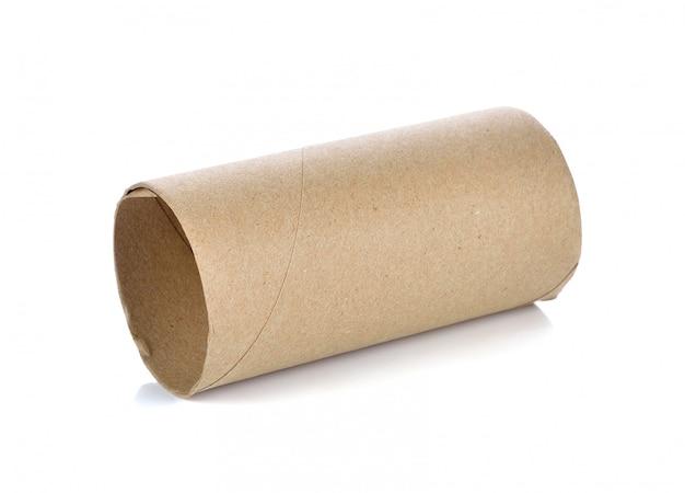 Rouleaux de papier toilette vides sur fond blanc