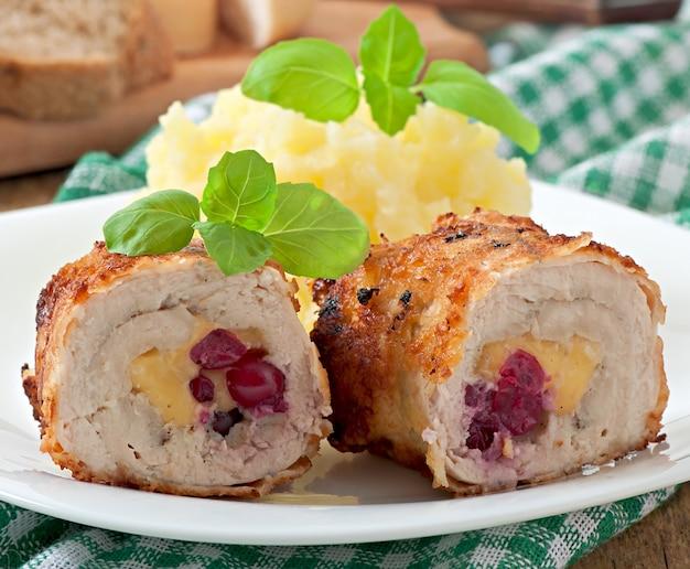 Rouleaux de poulet aux canneberges, fromage et miel