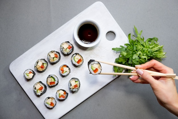 Rouleaux de sushi végétaliens au quinoa