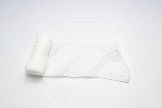 Rouler de gaze ou de bandage sur isolé