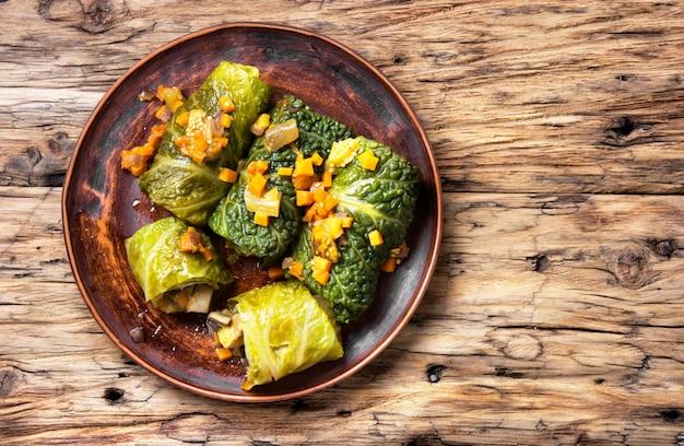 Roulés de chou aux légumes