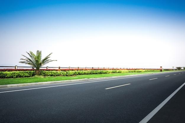 Route d'asphalte en toscane, italie