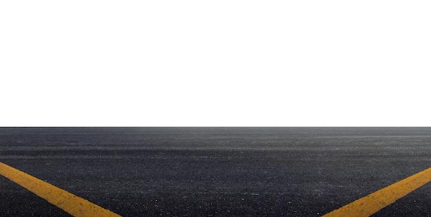 Route asphaltée isolé sur fond blanc