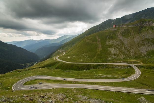 Route de montagne transfagarasan, carpates roumaines