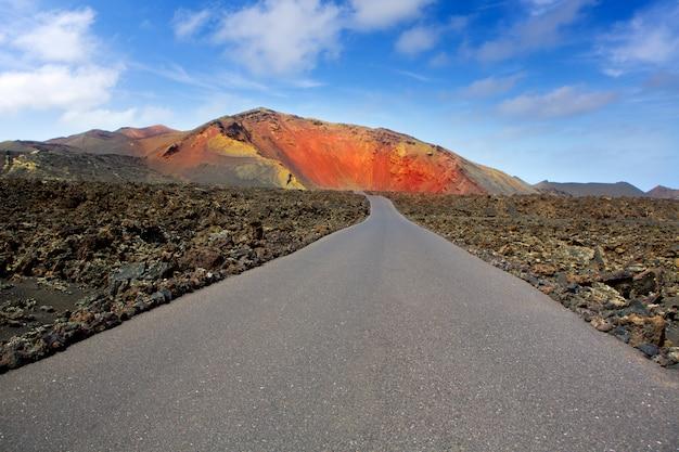 Route de montagnes de feu de lanzarote timanfaya