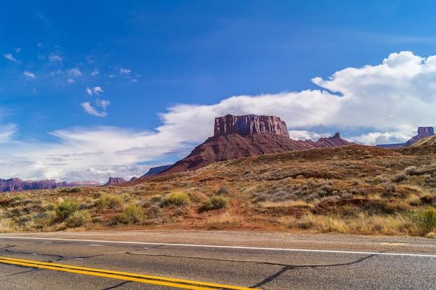 La route panoramique du haut fleuve colorado (state route 128)