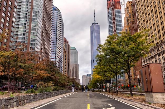 Route à pied dans le centre-ville de manhattan, new york