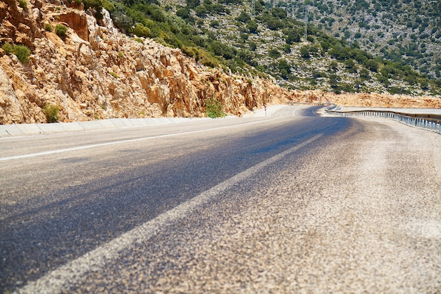 Route avec point de fuite