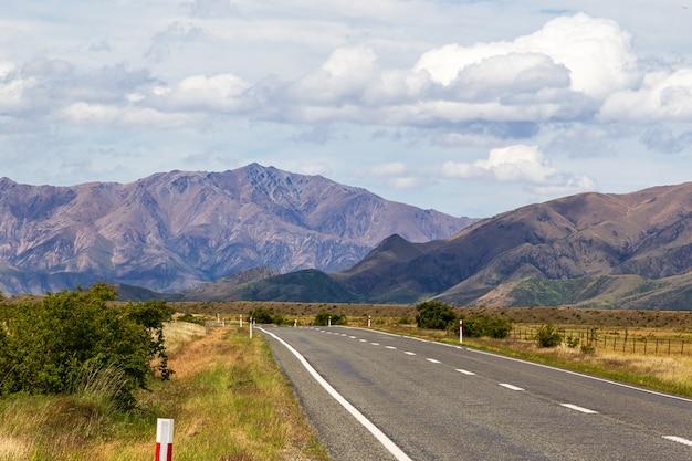 Route vers les alpes du sud ile sud nouvelle zelande