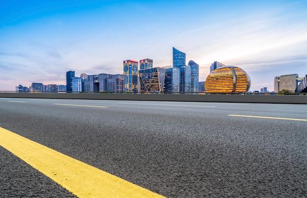 Routes et paysage architectural des villes chinoises modernes