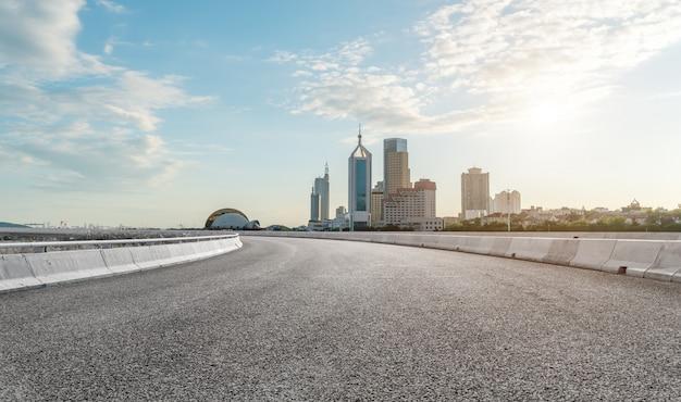 Routes urbaines et paysage architectural