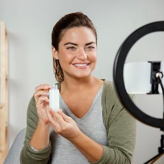 Routine de soins belle femme en streaming