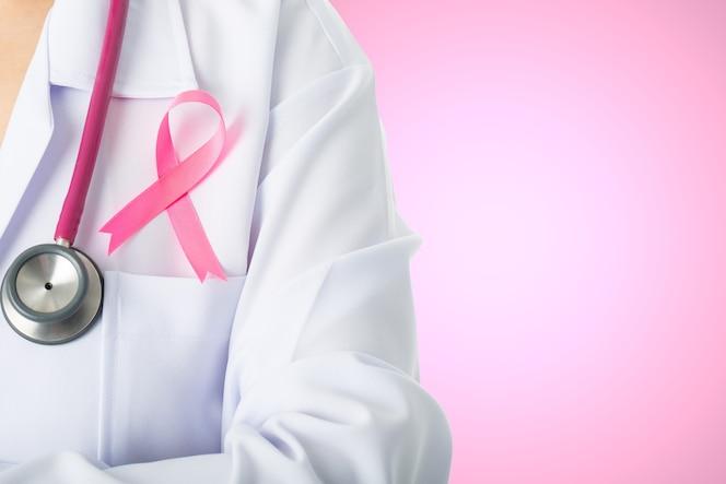 Ruban de bâton médical de sensibilisation au cancer pour les soins de santé avec stéthoscope