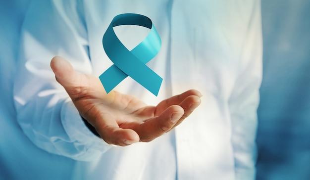 Ruban bleu du mois de novembre de sensibilisation au cancer de la prostate. prévention du cancer chez les hommes