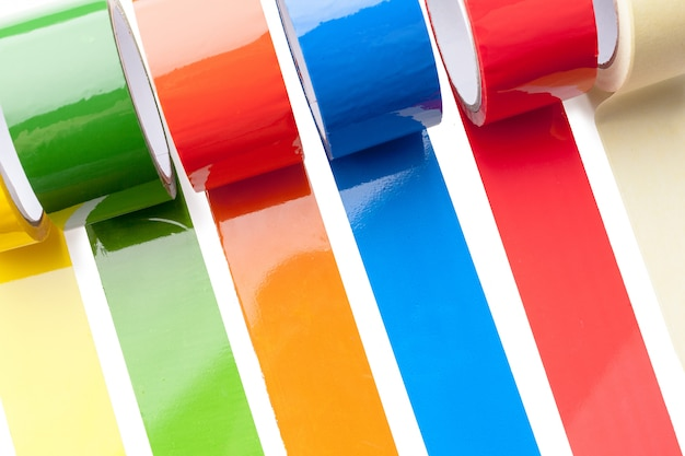 Ruban de couleur en gros rouleaux