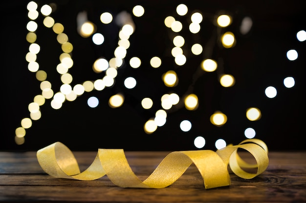 Ruban Délicat Près Des Lumières Défocalisés Photo gratuit