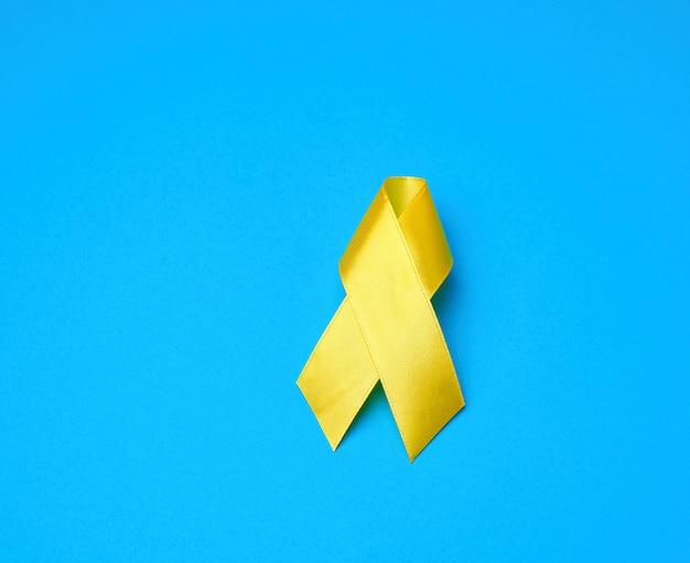 Ruban jaune sur fond bleu