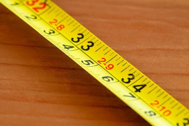 Ruban à mesurer vieux, gros plan macro, mise au point sélective