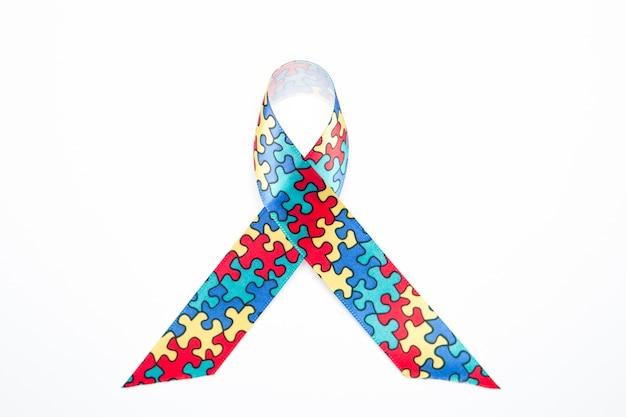 Ruban de sensibilisation pour l'autisme et les aspergeurs