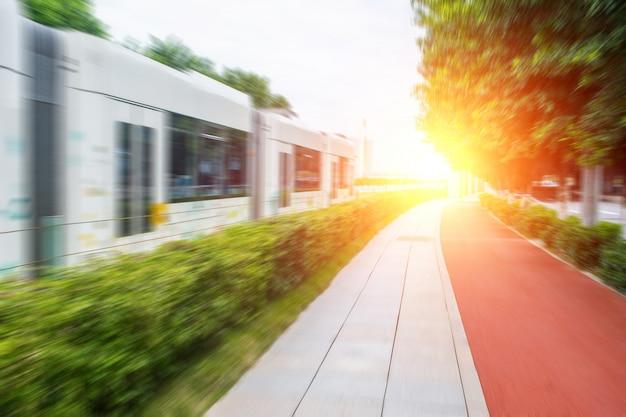 Rue à côté de la voie de tram