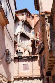Rue étroite d'albarracin