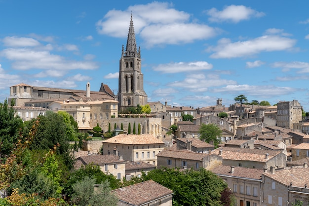 Rues médiévales dans le village français de saint emilion bordeaux