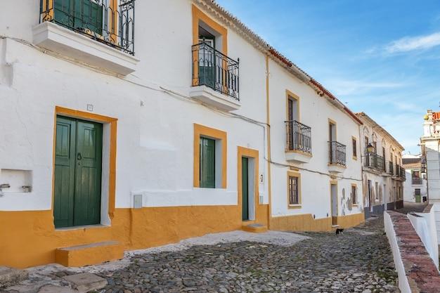 Rues de la vieille ville touristique de mertola. portugal alentejo