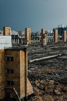 La ruine de l'ancienne usine zil qui produisait des réfrigérateurs et des voitures.