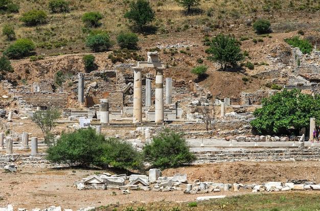Ruines de l'ancienne ville grecque ephèse ou efes sur la côte de la mer d'ionie à selchuk