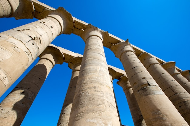 Ruines antiques du temple de karnak en egypte