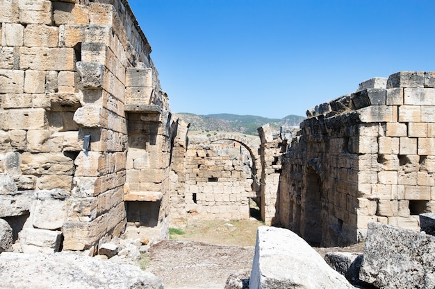 Ruines antiques de hiérapolis, pamukkale, turquie.