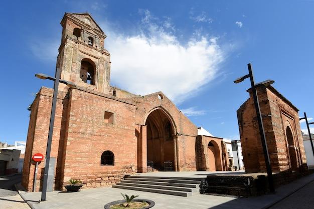 Ruines de l'église de saint martin, (xiiie siècle) niebla, province de huelva, andalousie, espagne
