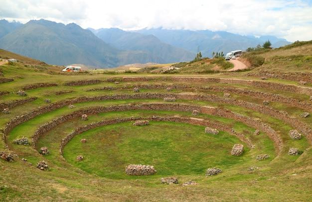 Ruines de moray, terrasses agricoles incas dans la vallée sacrée des incas, pérou