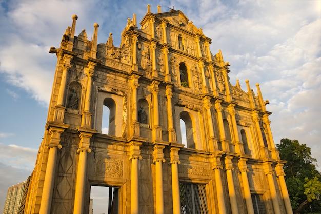 Les ruines de saint-paul se réfère à la façade