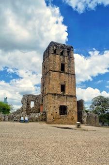 Ruines de la tour de la cathédrale de la vieille ville de panama