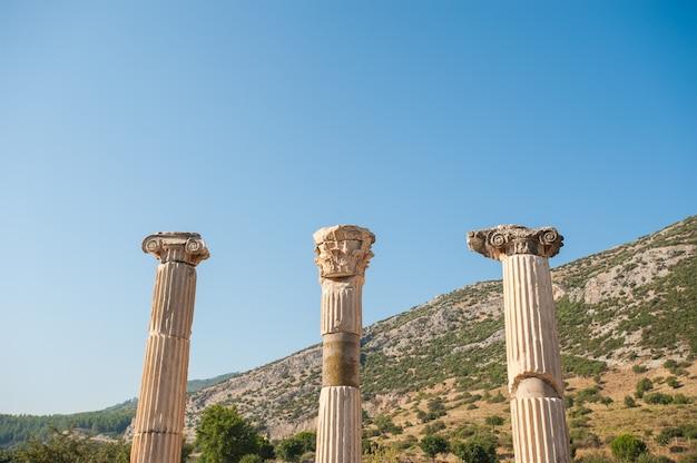 Ruines de la ville antique d'éphèse, l'ancienne ville grecque de turquie, dans une belle journée d'été