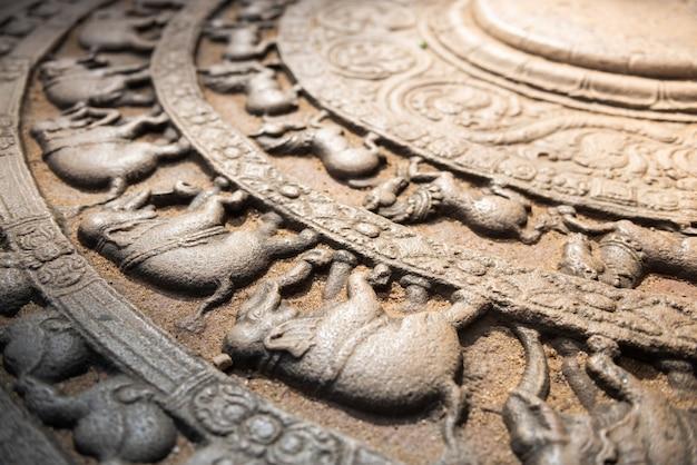 Ruines de la ville historique de polonnaruwa, sri lanka
