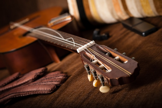 Rupture des cordes de guitare classique