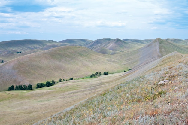 Russie. oural méridional. région d'orenbourg. longue montagne