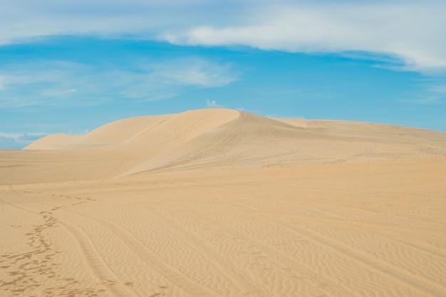 Sable jaune dans le désert, mui ne, vietnam