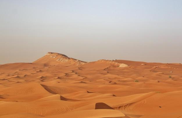 Sable rouge du désert près de dubaï