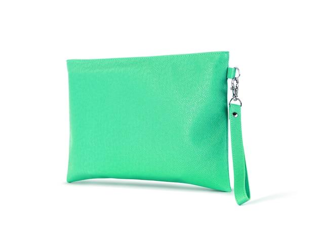 Sac à main en cuir vert avec suspension isolé sur blanc