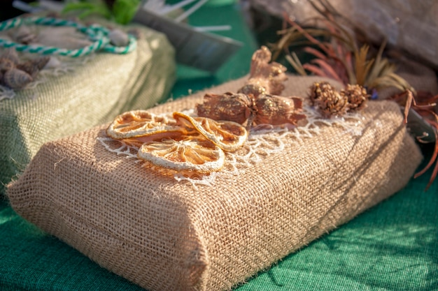 Sac pour aliments emballés décorés en jute
