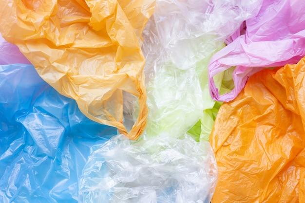 Sacs plastiques colorés